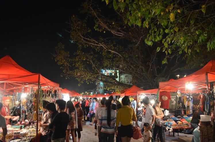 nightmarket vientiane