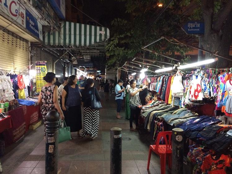 sukhumvit night market