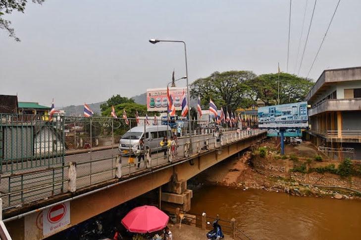 mae sai border bridge